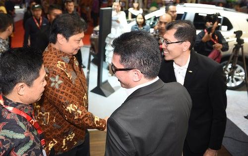 Booth Chevrolet Di Kunjungi Menteri Perindustrian RI saat Pembukaan IIMS 2019