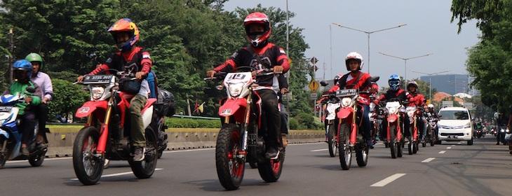 Sepeda Motor Merupakan Identitas Pengendaranya