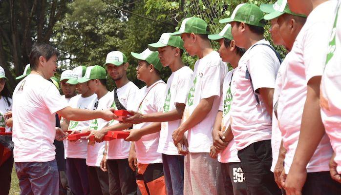 """Mengangkat tema 'We Are Green Wahanian"""" dalam kesempatan ini sebanyak 1.300 karyawan dari beragam perusahaan yang tergabung dengan Wahana Artha Group hadir merayakan hari jadi ke 47. Adapun karyawan yang hadir berasal dari Main Dealer sepeda motor Honda Jakarta Tangerang, PT. Wahana Makmur Sejati (WMS), PT. Wahana Artha Ritelindo (WARI), PT. Tristar Transindo (TRI"""